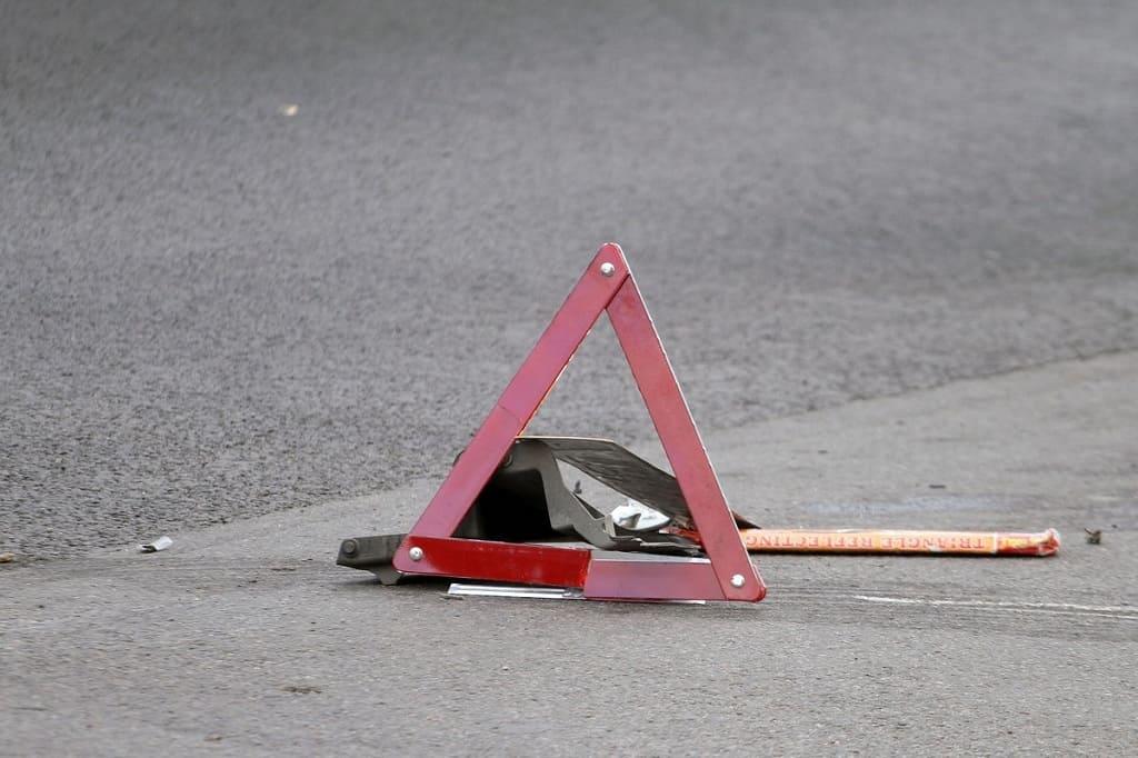 В Чертковском районе несовершеннолетний на скутере без прав сбил пешехода