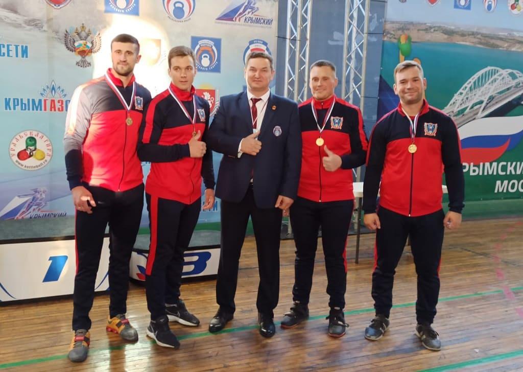 Донские гиревики успешно выступили на кубковых соревнованиях в Алуште